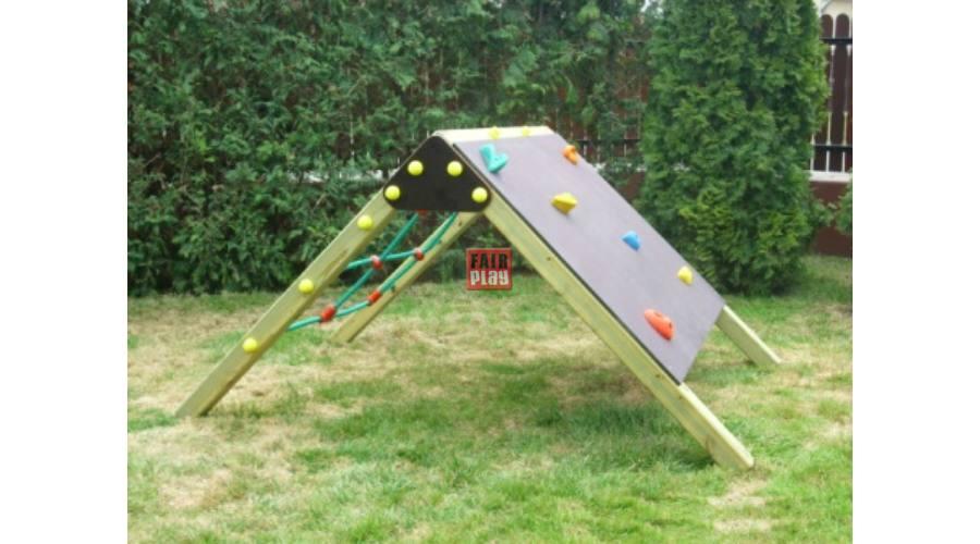 Az óvodai játszótéri eszközök lekötik a picik figyelmét
